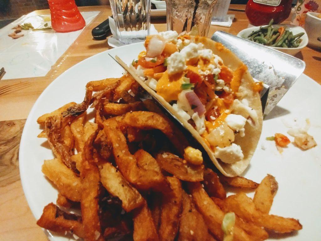 harrys alehouse, fish tacos, mahi mahi